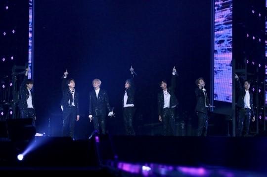 방탄소년단, 'LOVE YOURSELF' 일본 첫 돔 투어 화려한 피날레…38만 관객과...