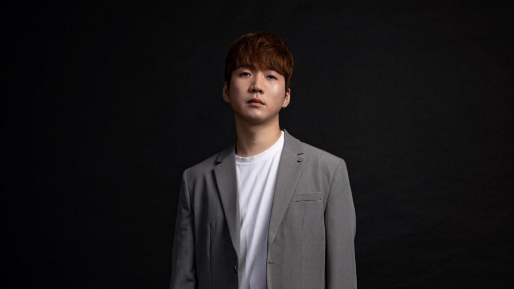 """'연어장인' 이정권, 요즘크리에이티브와 전속계약 체결. """"본격적인 음악 활동 시작"""""""