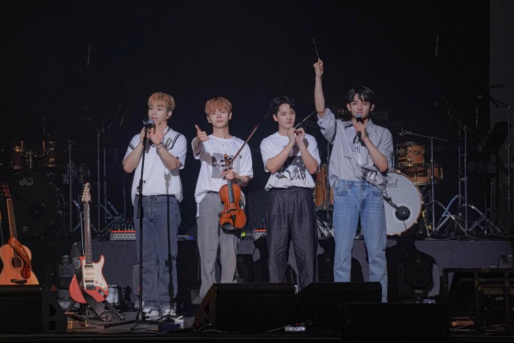 밴드 루시, 첫 페스티벌 '사운드베리 씨어터' 성료…나날이 성장하는 공연형 밴드